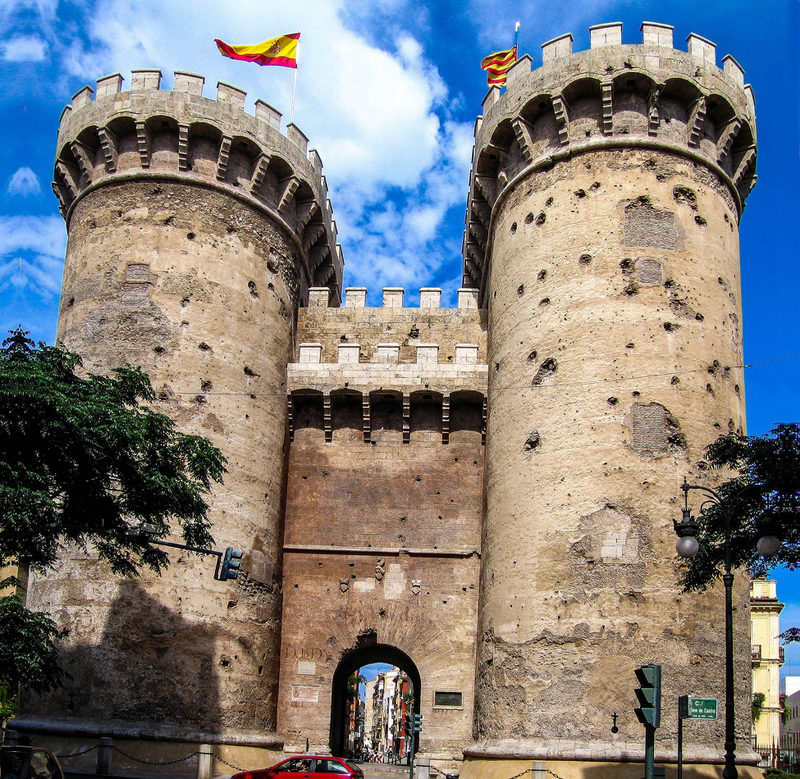 gate-towers-of-quart-in-valencia-spain_800.jpg